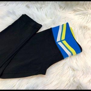LULULEMON Capri reversible leggings Sz 6